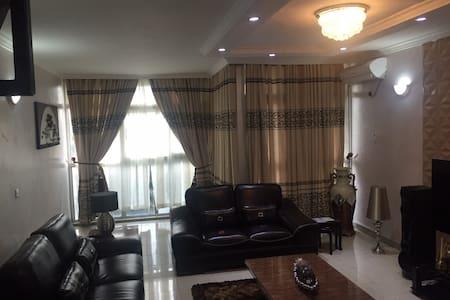 2 BR furnished Maisonette, 1004 Est - Eti-Osa - Appartamento