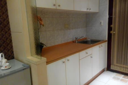 Near by metro,3 minutes, cozy ,new - Apartment
