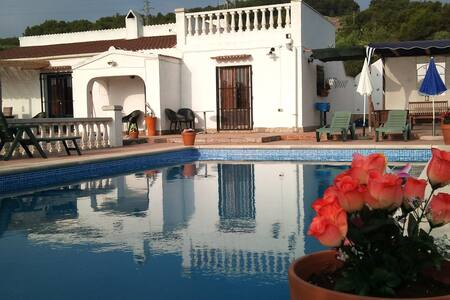 Olivo: privacy, space, large pool - El Perelló - Villa