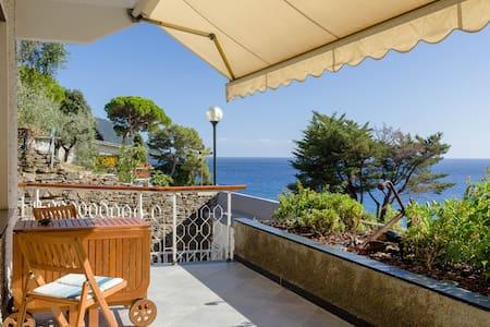 Splendido, con terrazzo vista mare - Lägenhet