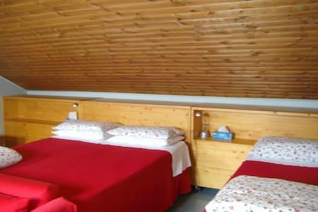 Accogliente camera 5 posti letto - Talo