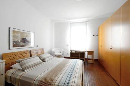 B&B Rest house 15 min to Malpensa - Oleggio