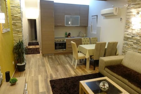 Apartment No.11 with 4 beds - Tivat