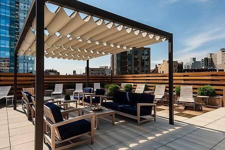 Luxury Building W Amazing NYC Views