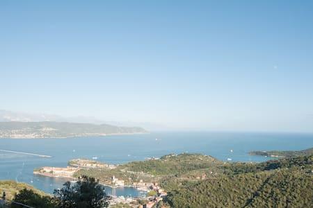 Best view on Portovenere  - Hus
