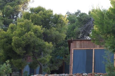 GLAMPING by the see in small wooden houses Athenes - Diğer