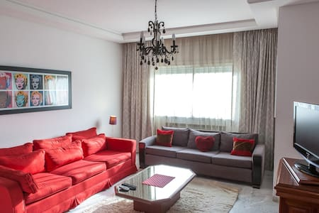 Airy 2BR flat Tunis - Berges du Lac - Apartment