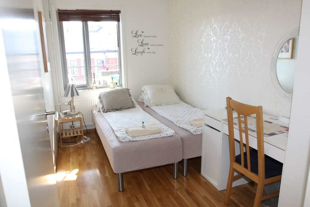 The lovely Airbnb room, Singel doubel beds