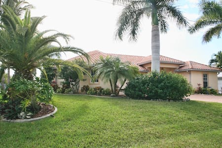 WaterFront,Pool,Spa,MsBd/Bath - North Fort Myers - Penzion (B&B)