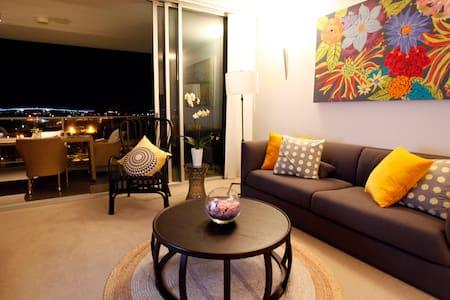 Hamilton Best View Riverfront 1 Bed - Lejlighed