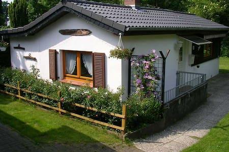 Kleines feines Ferienhäuschen - House