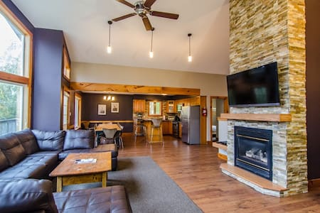 Summit Ridge 1 Executive Sleeps 20