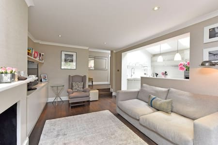 Spacious two double bedrooms flat