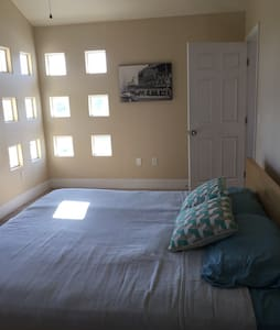 Private King Bed&Bath close to LAX