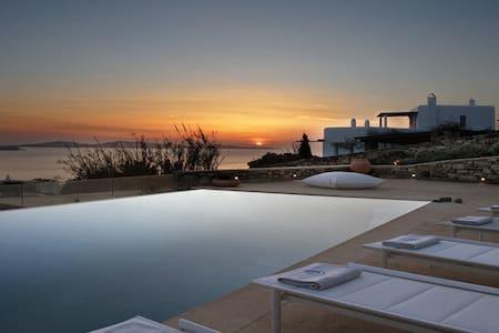 Majestic newly-built Mykonos Villa - Agios Ioannis Diakoftis - Villa