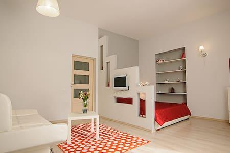 Яскрава квартира в центрі міста - Lemberg - Wohnung