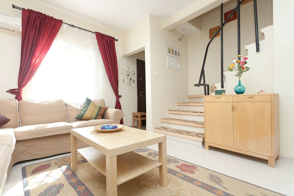 living room-AC, cable TV, wireless internet