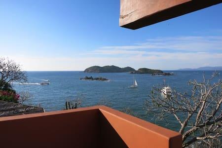 Pacific Ocean Luxury Retreat