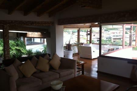 Amazing house in Valle de Bravo