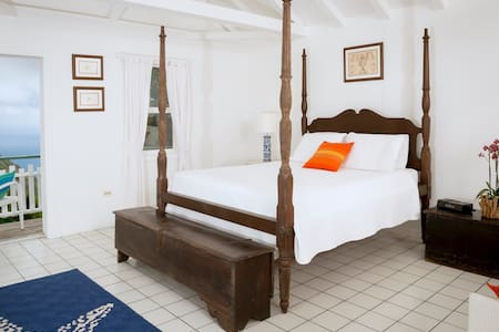 The Cottage Club Hotel - Bed & Breakfast