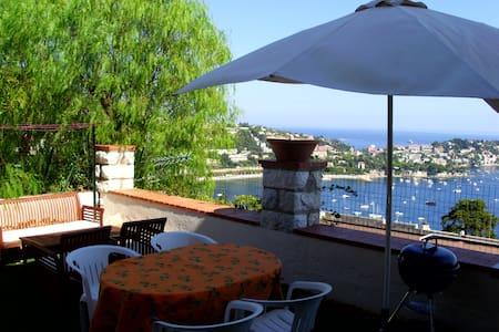 Maison et Jardin avec magnifique vue mer - Villefranche-sur-Mer - Maison