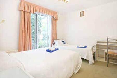 Double Room Paddington Hyde-Prk