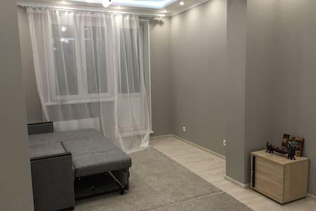 Big clean room~subway,Crocus,Vegas - Apartment