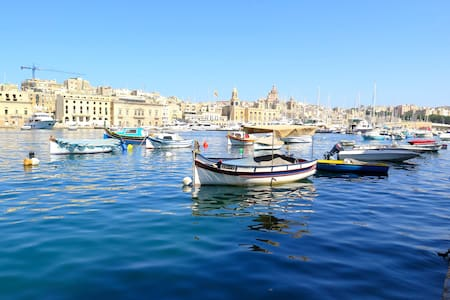 Isla townhouse with marina views - Senglea - Ev