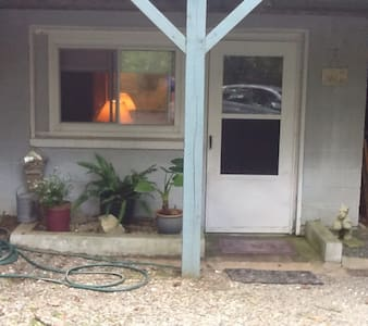 Spacious 1 bedroom with kitchen and full bath. Living room with dining space. Private entrance and accesability to treehouse deck. Washer and dryer. 5 minute drive to Boone and shopping.