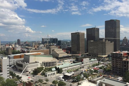 New Downtown Condo-Wifi/Views (45)