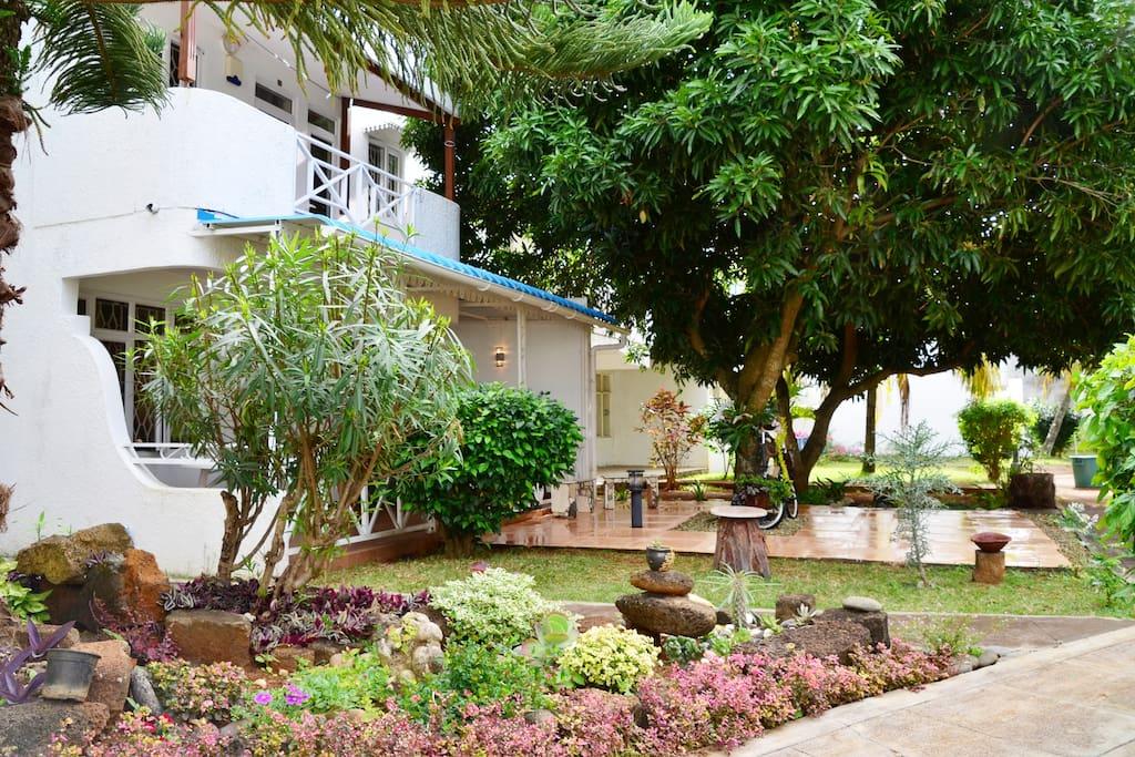 Mini Garden Villa Entrance