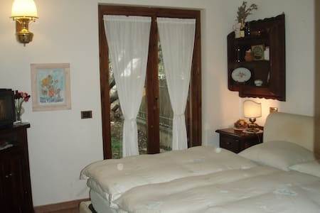 Nice room in Rome's countryside - Casa