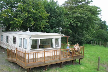 Static Caravan on Farm, private & self catering. - Cardigan