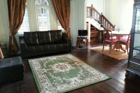 Anjung @ Titi Villa - Kuala Terengganu - Casa