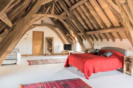 Private en suite bedroom - Preaux