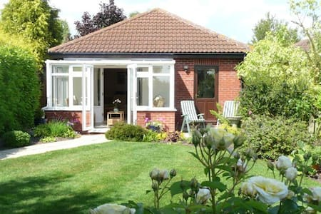 One bedroom self catering unit - Bungalow