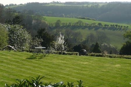 Lovely home with fabulous views - Woldingham - Hus