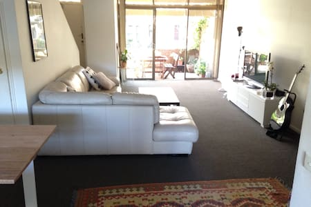 Great room in vibrant Surry Hills