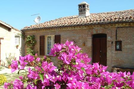 Country House La Casa dei Fiori - Matelica - Villa
