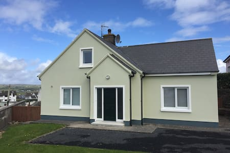 Charming remodelled 3 bed house - Lahinch