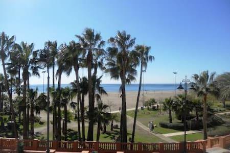 Apto 1ª Linea playa, Pto Marina.