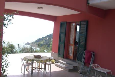 Wuenderschoener Meerblick - Bonassola - Apartment