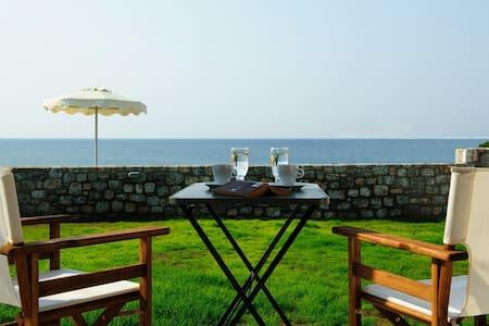 Alisahni Beachfront sea view villa - Kiotari