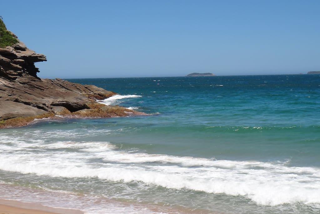 Praia lateral esquerda