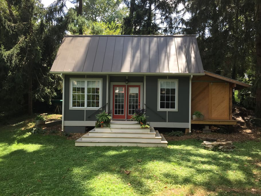 Oxford Cottage Brand New Tiny Home Houses For Rent In