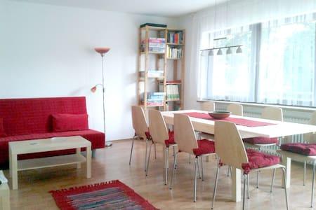 3-Zi Whg, ruhig + verkehrsgünstig - Lägenhet