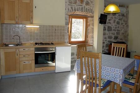 Lovely apartment in Vrboska - Vrboska