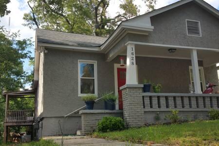 Empty house in Kirkwood