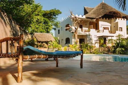 Sukuma Guest House - Diani Beach