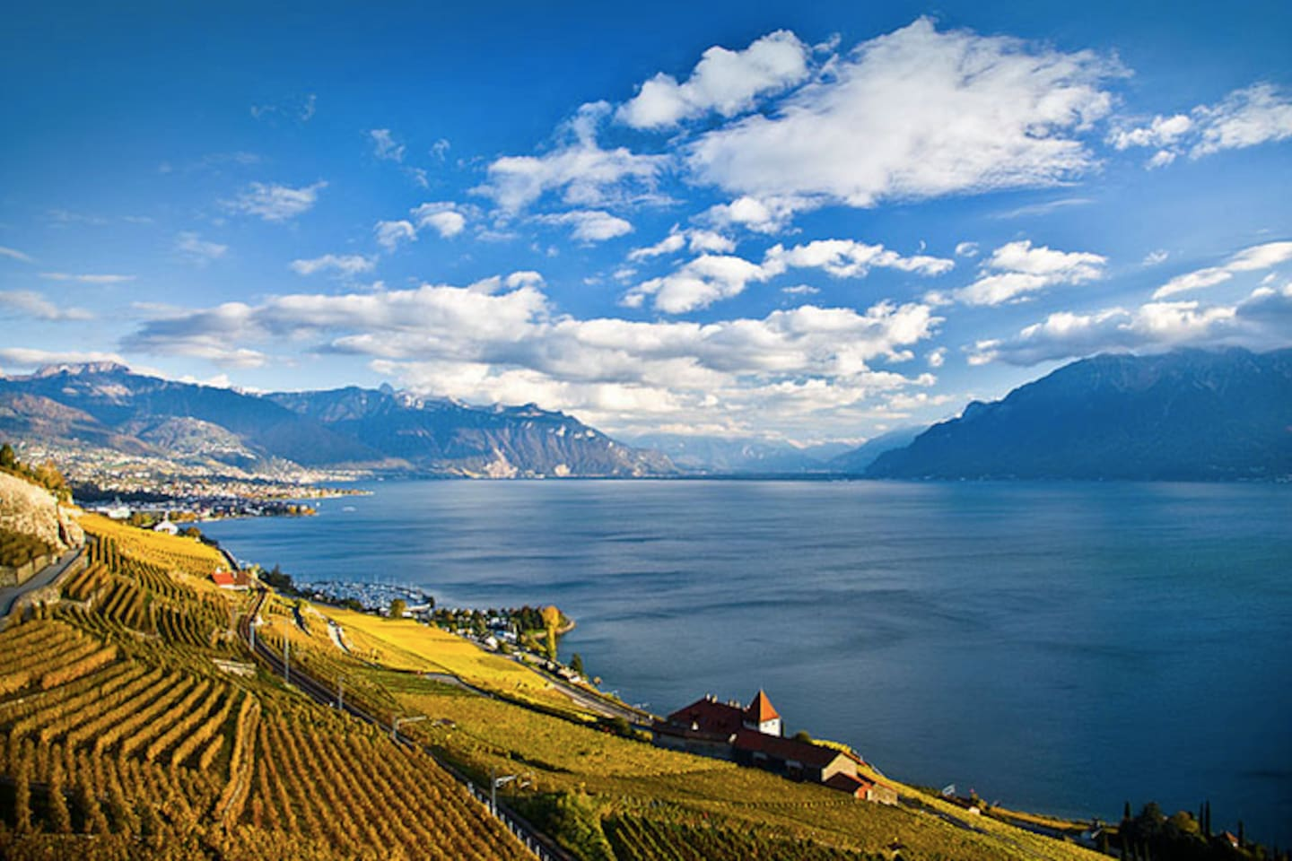 The Domaine du Burignon (down on the right) welcomes you in the heart of the vineyard of Lavaux, UNESCO World Heritage Site.        Good news to all guests!20% OFF ENTIRE STAY IF YOU CONTACT ME PRIOR BOOKING!MYEMAIL:annehost@outlôók.çòm